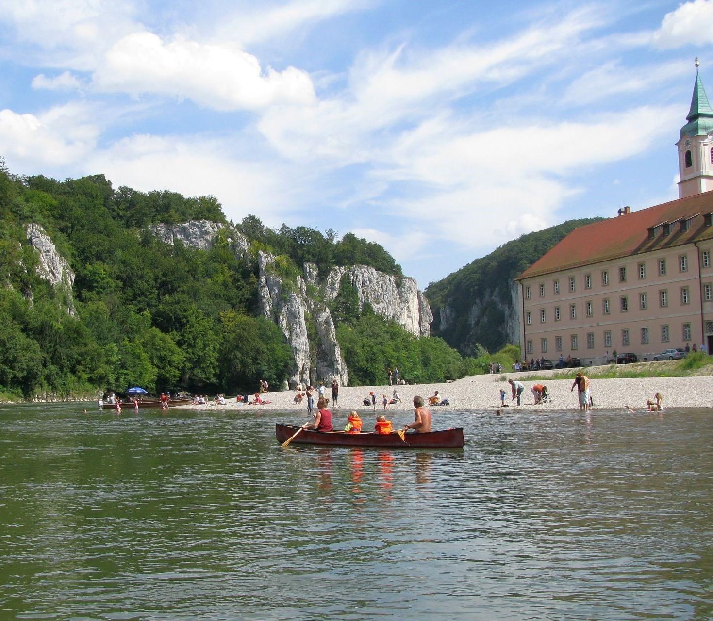 Bootswandern auf der Donau in der Weltenburger Enge bei Kelheim