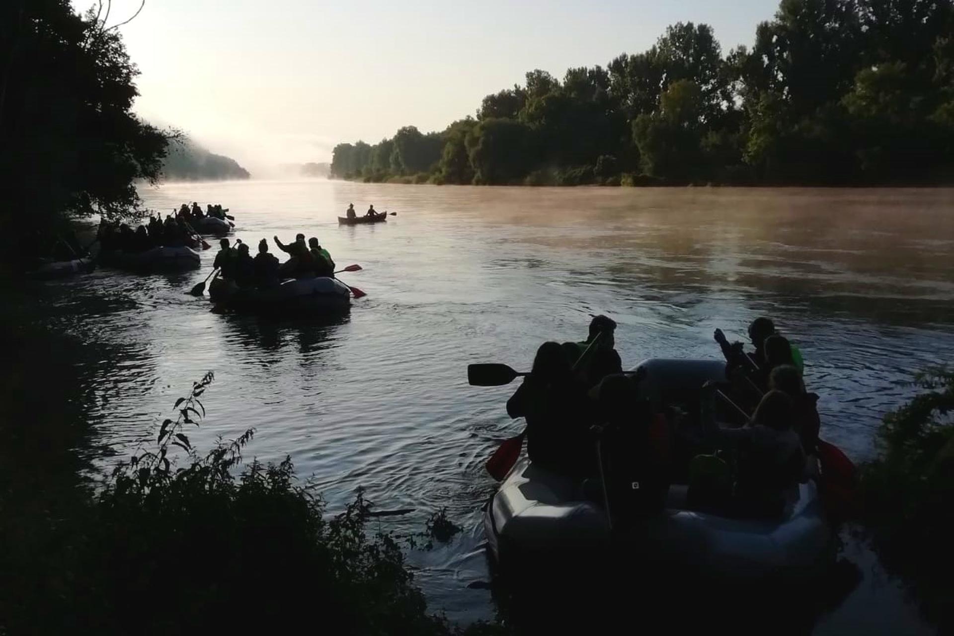 Bootstour auf der Donau mit einem Leih-Schlauchboot vom Bootsverleih Stefan Meier in Saal