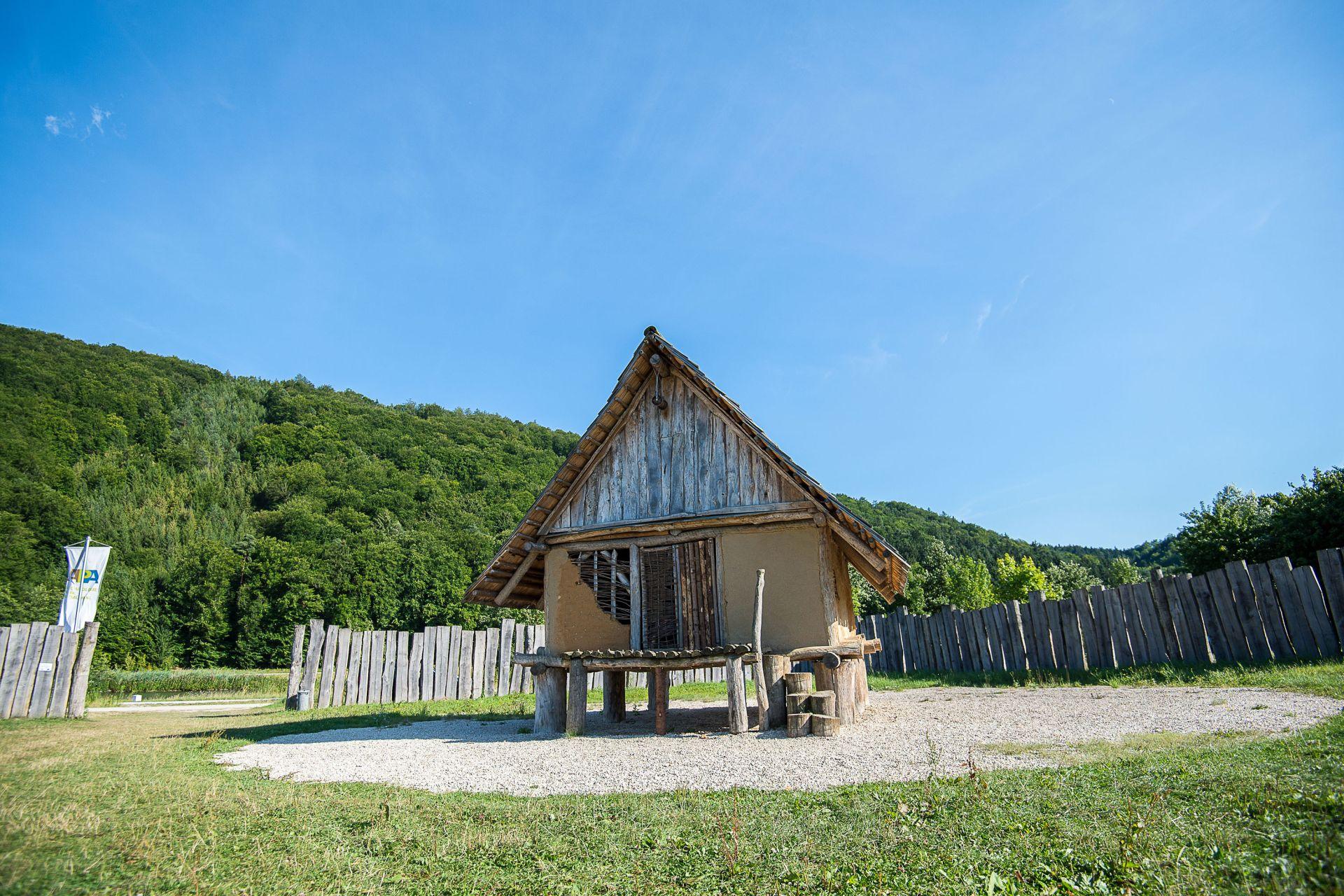 Archäologiepark Altmühltal - Eisenzeitliches Gehöft im Riedenburger Ortsteil Oberhofen