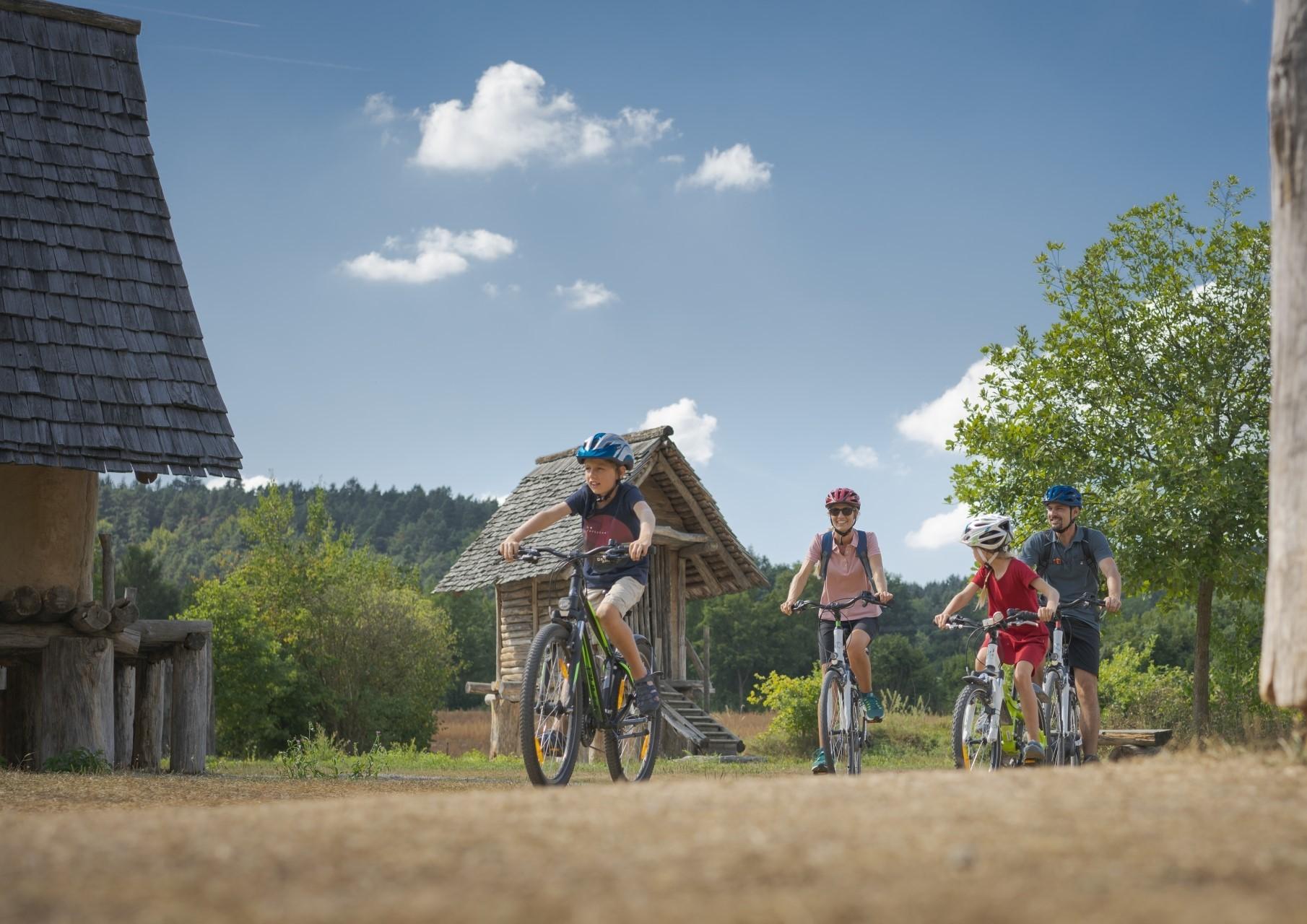 Radtour auf dem Altmühltal-Radweg bei Riedenburg