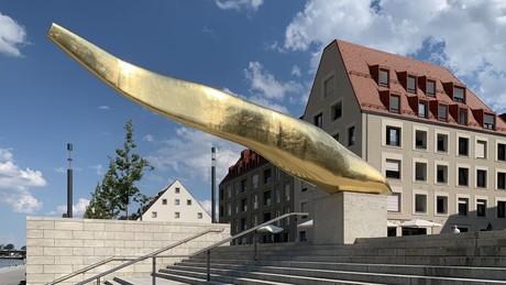 Goldener Waller am Haus der Bayerischen Geschichte