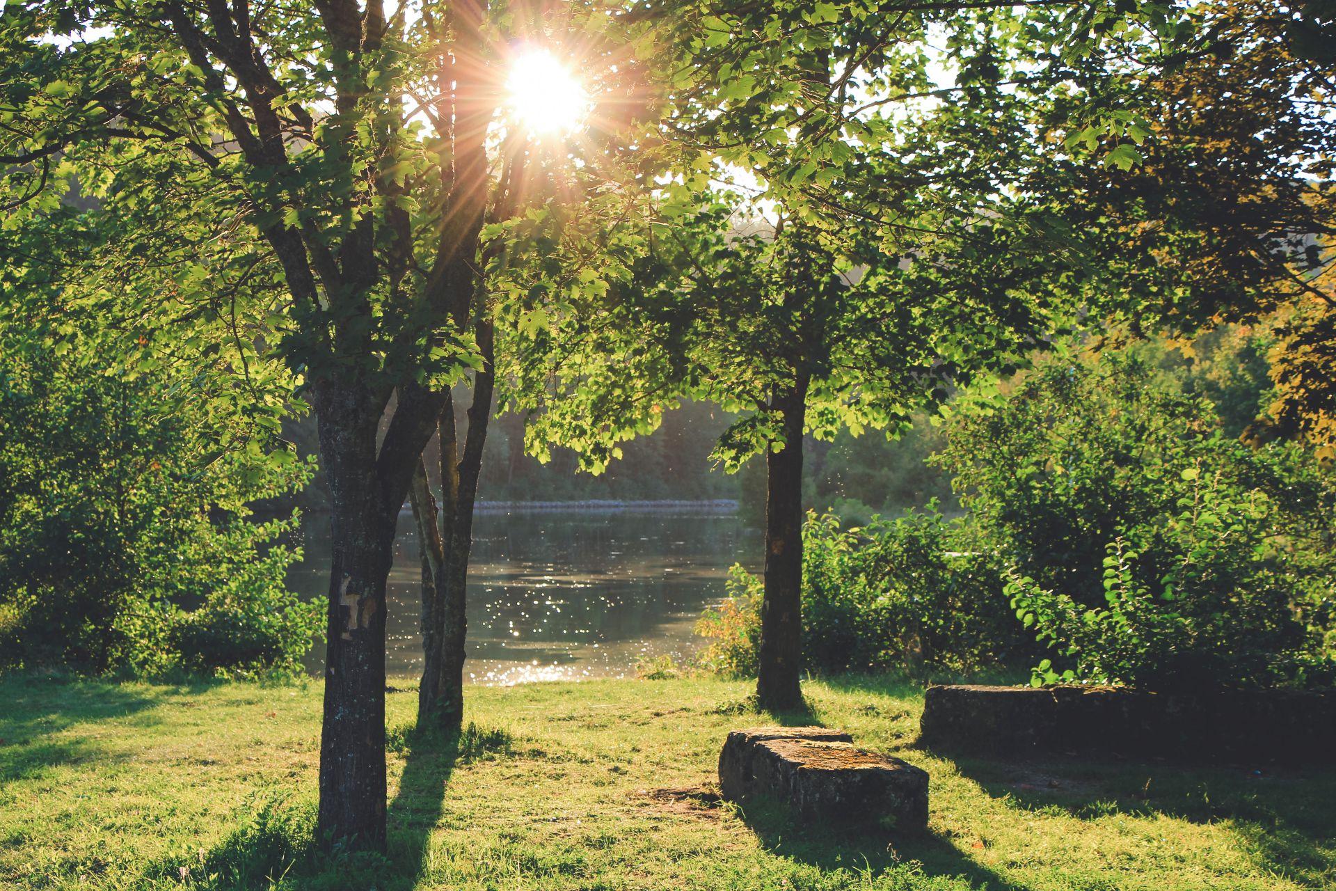 Sommerliche Idylle am Kanal in Essing im Altmühltal