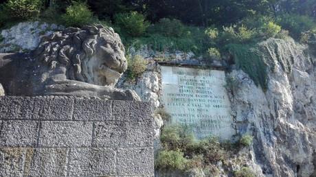 Löwen-Statue bei Bad Abbach