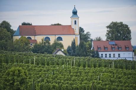 Kirche Lindkirchen Hallertau
