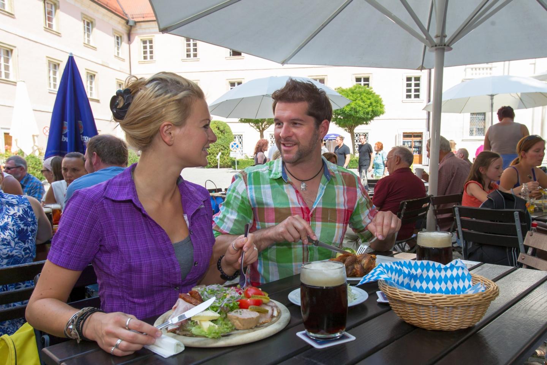 Im Biergarten der Klosterschenke Weltenburg