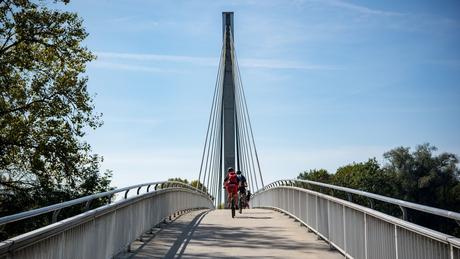 Radfahren auf dem Donauradweg
