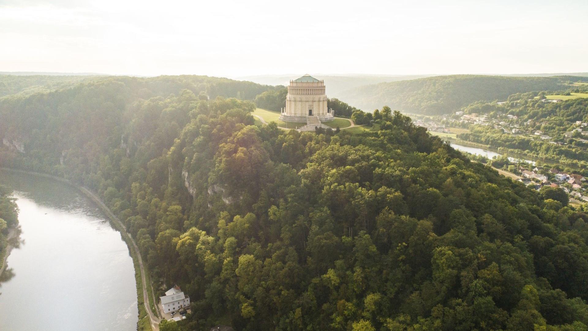 Befreiungshalle Kelheim auf dem Michelsberg zwischen Donau und Altmühltal