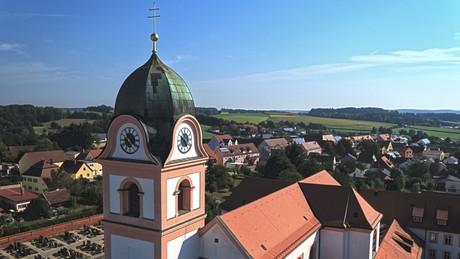 Klosterkirche Rohr und der Ort Rohr i.NB