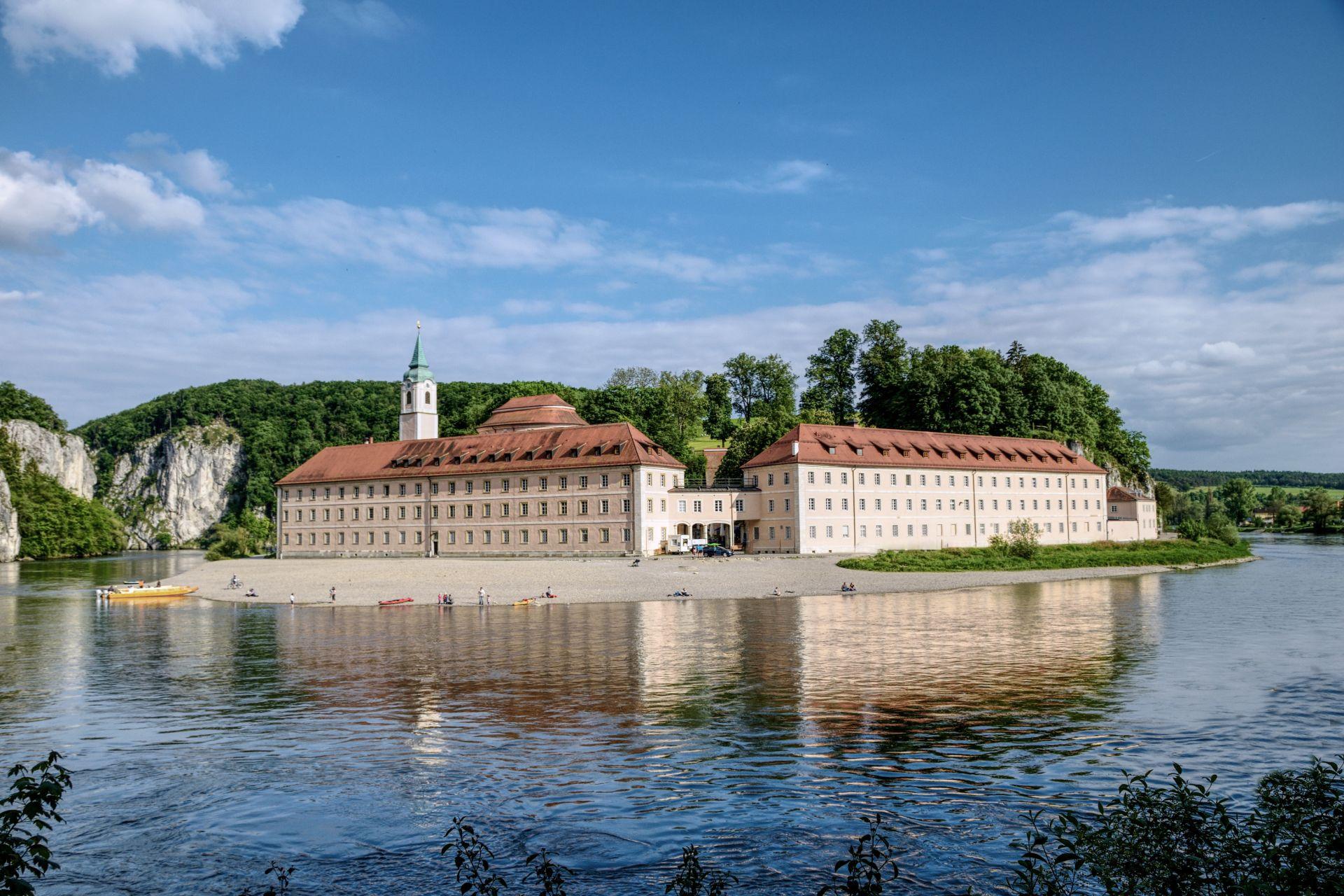 """Bild aus dem Fotowettbewerb """"Mein Lieblingsplatz im Landkreis Kelheim"""": Kloster Weltenburg fotografiert von Christian Kaindl"""